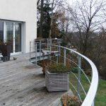 Halbrunder Balkon mit Gitter